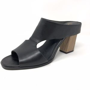 Seychelles 8.5 Leather Slip On Block Heel Sandal